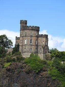 Edinburgh, kasteel. Cruise naar de Oostzee met zorg