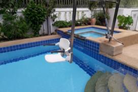 Hua Han, Thailand Zwembad aangepast