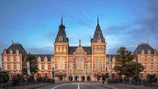 Rijksmuseum ~ Amsterdam, reizen met nederlands sprekende begeleiding