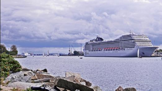 Warnemunde schip, cruise met begeleiding